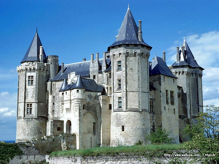 Image Description : Europe Tourist Attractions - European Castles Pictures、Historic castles Photo, European tourist attractions, castles of Middle Ages